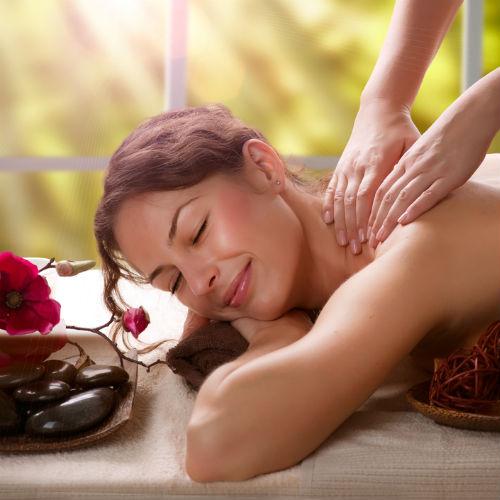 Massaggi-estetica-contatto